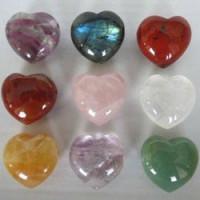 Каменные сердечки